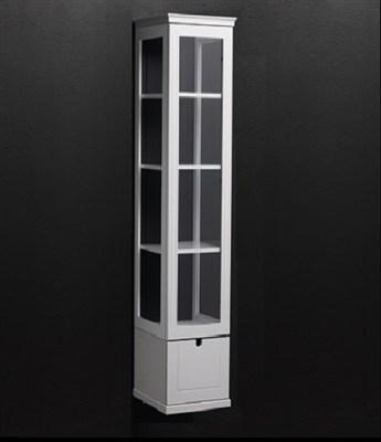 Läs mer om badrumsskåpet, klicka här   Högskåp 1 Svedbergs Svea Krita